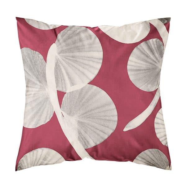 punainen tyynynpäällinen
