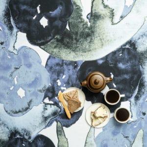 Suomessa valmistettu pöytäliina, sininen